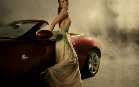creative woman  long dress  fast car widescreen