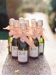 wedding wine favors best 25 chagne wedding favors ideas on chagne weddings gifts wine wedding