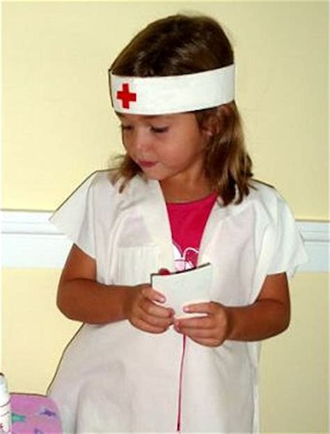 18 Costumes to Make from a Pillowcase u2013 About Family Crafts