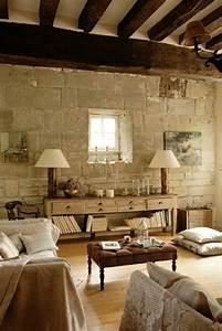 Decoration Mur Interieur Salon : le mur en pierre apparente en 57 photos ~ Teatrodelosmanantiales.com Idées de Décoration