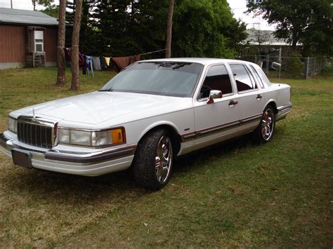 Joeslincoln 1990 Lincoln Town Car Specs, Photos