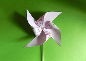 Windräder Basteln Mit Kindern : windr der basteln mit papier knete und einem holzstab ~ Markanthonyermac.com Haus und Dekorationen