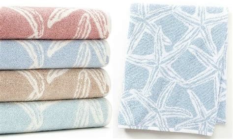 Themed Bathroom Towels by Decorate Your Bathroom With These Themed Accessories