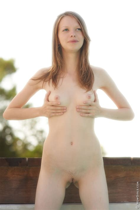 Naked Fay Outdoors By Wow Girls Photos Erotic Beauties
