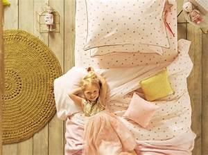 Tapis En Crochet : craquez pour un tapis dans la chambre de votre enfant elle d coration ~ Teatrodelosmanantiales.com Idées de Décoration
