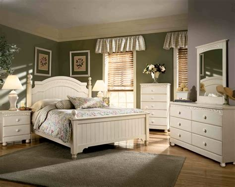 Country Cottage Bedroom About Remodel Home Decor