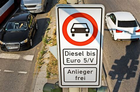 ausnahmegenehmigung diesel stuttgart diesel fahrverbot in stuttgart bisher nur 1300 antr 228 ge