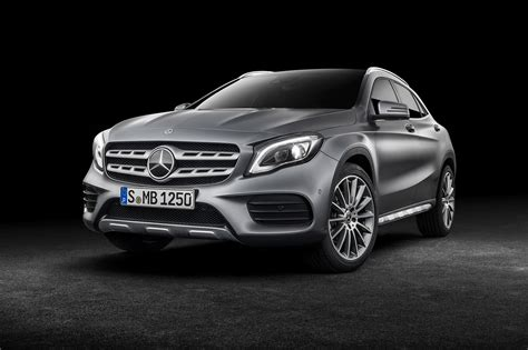 Mercedes Gla 2017 Facelift Merc Gets The Mascara Out By