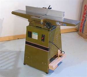 Mobile jointer base