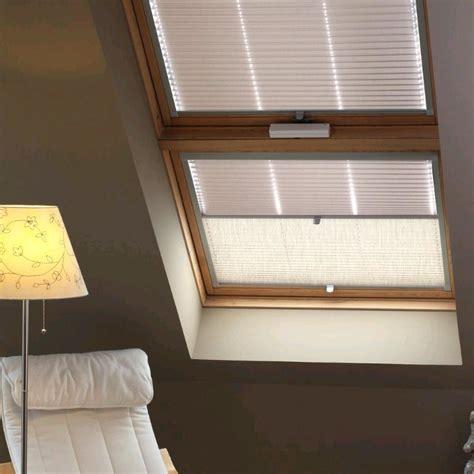 Rollos Und Plissees Fuer Dachfenster by Plissee Rollos G 252 Nstig Rollomeister De