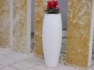 Pflanzkübel Weiß Rund : pflanzk bel zen aus fiberglas in perlwei bei east west trading ~ Whattoseeinmadrid.com Haus und Dekorationen