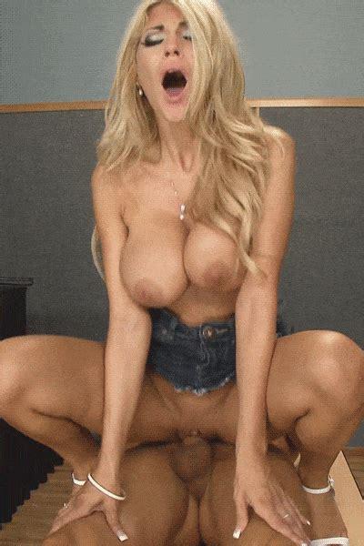 gorgeous busty blondie kayla kayden jessdarky