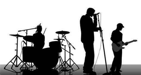Pengertian musik tradisional secara umum ialah musik yang terpengaruh oleh adat, tradisi serta budaya masyarakat tertentu. Pengertian Musik Modern Lengkap Beserta Fungsi, Ciri dan Jenisnya - MusikPopuler.com