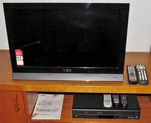 Vizio M260va Tv And Jvc Dvd Player  Vcr