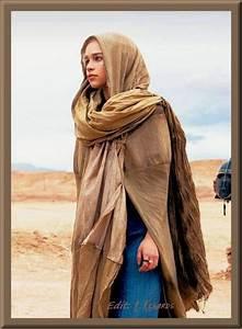 Khaleesi / Queen Daenerys outside of Yunkai in S2 ...