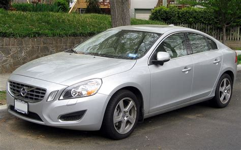 Volvo S 60 by Volvo S60