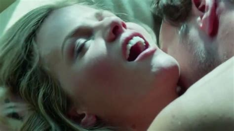 This Is What Really Happens While Filming Movie Sex Scenes