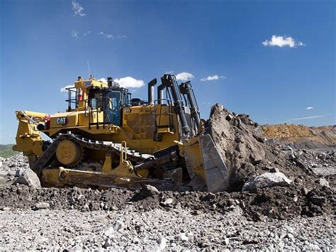 worlds  caterpillar  dozer delivered  qld  product news