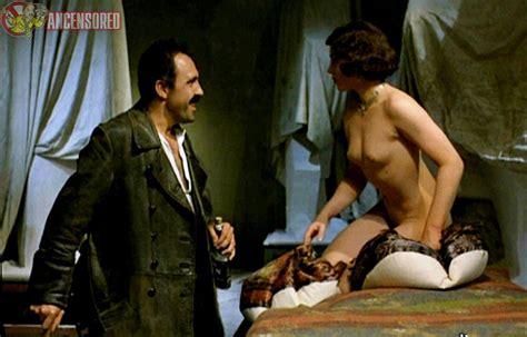 Valérie Pronovost  nackt