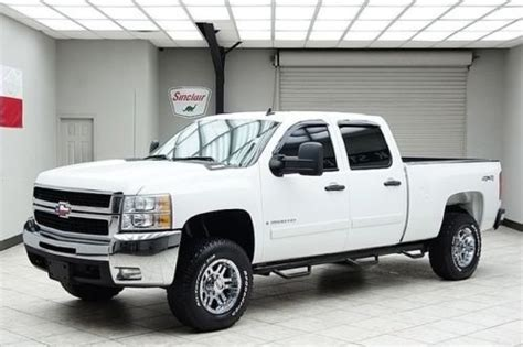 sell   chevy hd diesel  lt leather crew