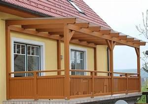 Balkon Handlauf Holz : 1001 tolle ideen f r balkon berdachung aus holz ~ Lizthompson.info Haus und Dekorationen