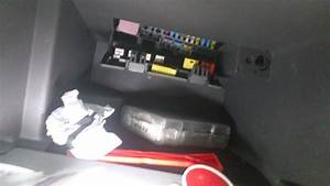Renault Scenic 2000-2010 Fuse Box Location