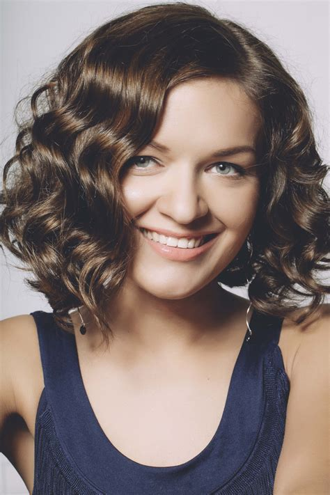 haircuts with thick hair thick wavy hair how to style your hair in 5 ways 4346