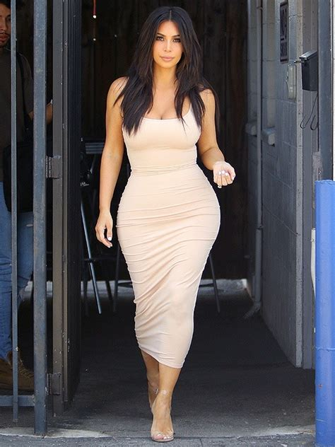 Are Men Attracted To Women With Large Hips And Breasts