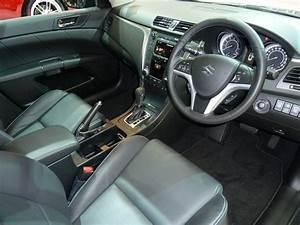 File:2010 Suzuki Kizashi (FR) Sport sedan (2010-10-16).jpg ...