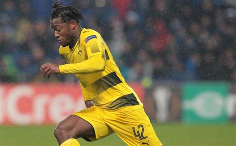 Atalanta set to table loan-to-buy offer for Michy Batshuayi