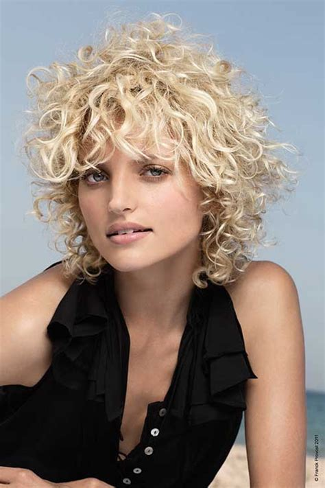 15 short haircuts for curly frizzy hair
