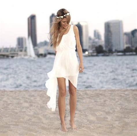 15 Short Beach Wedding Dresses for Brides Who Dare To Be Different