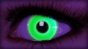 NEON GREEN COLORED CONTACTS on The Hunt