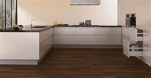 Parquet pour cuisine choisir un parquet adapte a l39usage for Parquet spécial cuisine