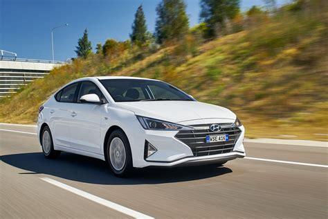 2019 Hyundai Elantra Go automatic quick review