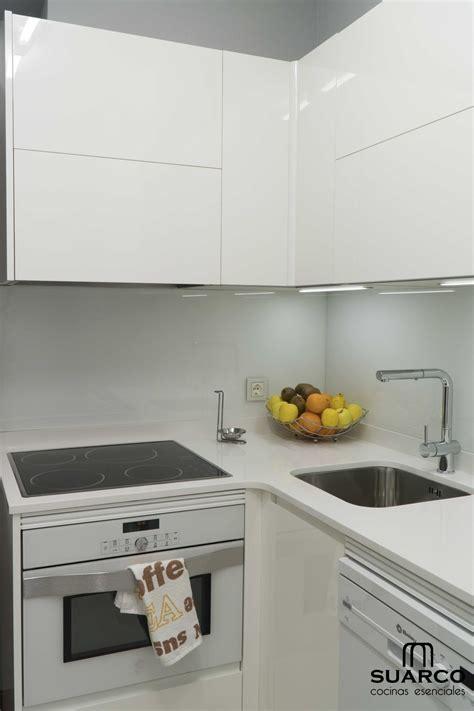 cocina blanca de  cocinas suarco fabrica  diseno de