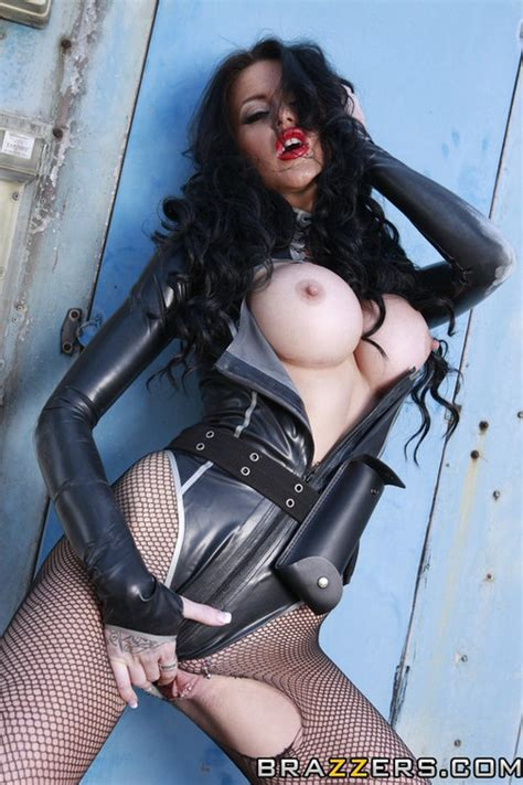 Filthy Brunette Teasing And Flaunting In Latex Photos