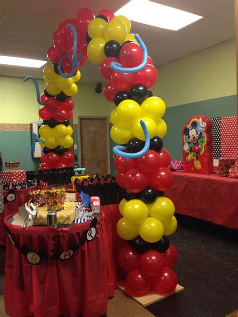 Mickey Mouse Decorations by Mickey Mouse Balloon Decor Balloon Decorations
