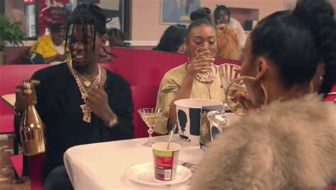 bad and boujee watch migos and lil uzi vert 39 s quot bad and boujee quot video