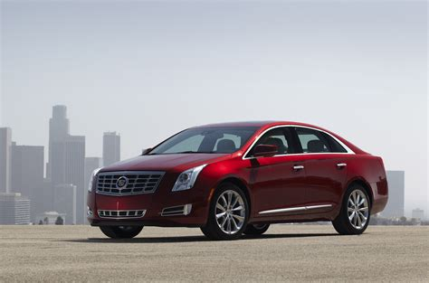 cadillac xts photo gallery autoblog