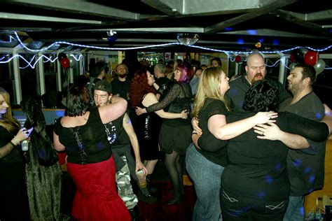 Rock The Boat Floor Dance by Dj Disco And Pa For Rock Wedding Wedding Dj Hertfordshire