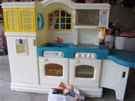 tikes country kitchen accessories mybundletoys tikes country kitchen 9044