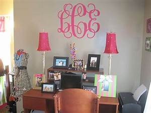 Giant vinyl dorm wall decor monogram decor 2 ur door for Dorm wall decor