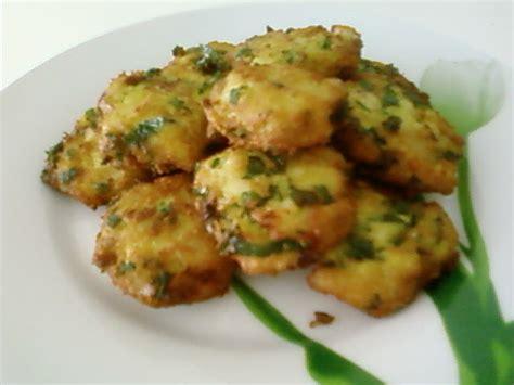 cuisine tunisienne traditionnelle four marqet jelbana ragoût tunisien de petits pois et poulet