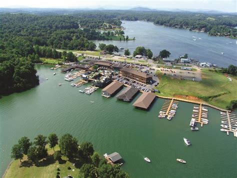 Smith Mountain Lake Boat Rentals Virginia by Bridgewater Plaza At Smith Mountain Lake Virginia Is For