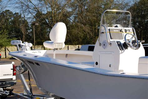 Bay Boats With Front Seating by Pedestal Seating In Bay Boats The Hull Boating