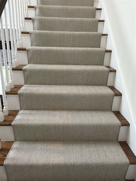 #herringbonestairrunner @momenirug  Herringbone Carpet