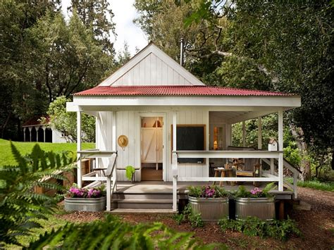 tiny farm house design tiny country farmhouse small