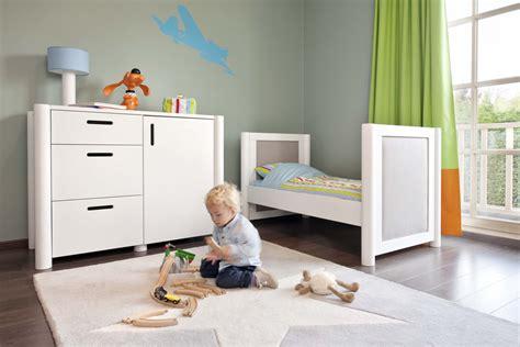 tapis chambre davaus tapis chambre bebe gris et jaune avec des