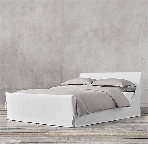 preston slipcovered bed  footboard